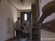Mature Japanese lady Erika Masuwaka penetrated roughly.