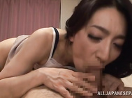 And when it comes to hot action, she also knows what to do in order to get the maximum amount of pleasure.