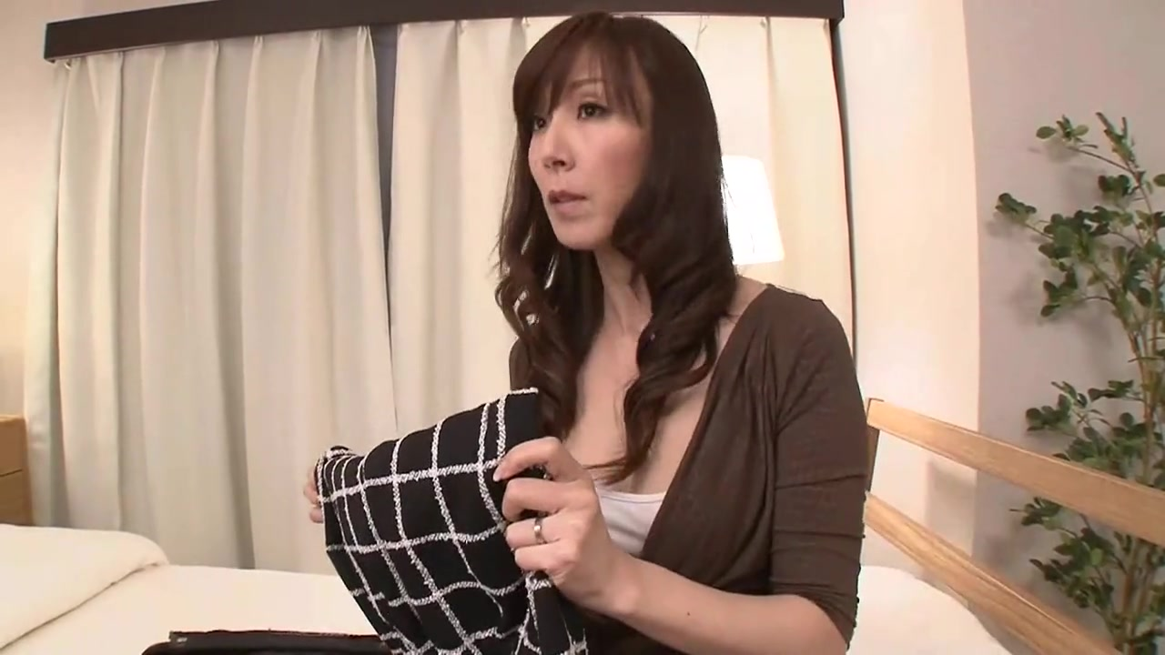 Okaasan Reiko Fucks Her Friends Son.
