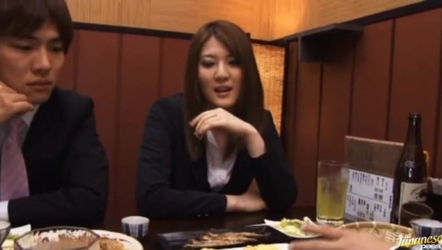 Momoka Nishina has meal with colleagues, and gets a faceful of cum.