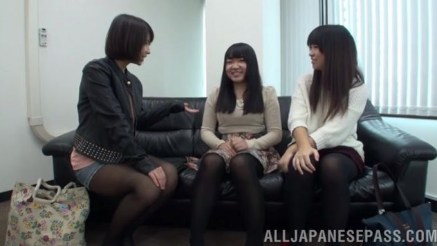 Japanese AV Model pussy licking in the best lesbian traits.