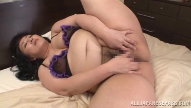 Astonishing Japanese bbw chick Fujiko Minegishi is a kinky solo hottie.