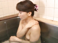 Reiko Makihara fucking in the bath.