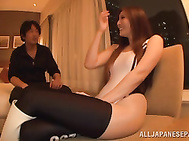 Tall topnotch race queen Yuna Shiina gets intensive pussy stimulation.