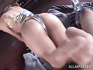 The sexy babe likes to tease her lover´s cock with her feet, and he likes when she gives him a foot job.