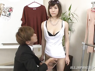 Graceful Japanese AV model Yuria Ashina is a favorite doll-mannequin of a crazy guy.